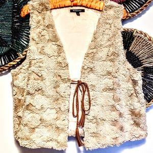❤️ 3/$32 ~ Relativity Faux Fur BOHO Hippie Vest